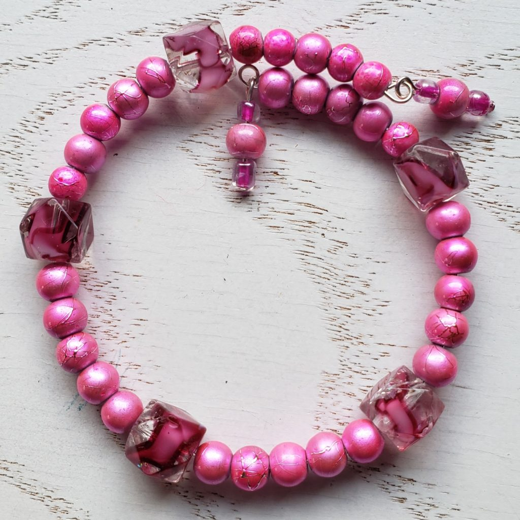 B10 Bracelet pink glass beads