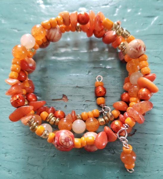 B43A_quartzite_chips_glass_beads bracelet