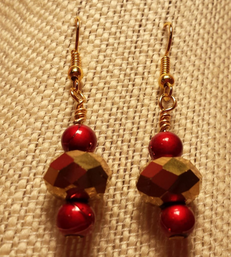 CE02_red_gold_beads
