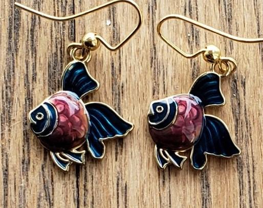 E105c_fish_violet_blue
