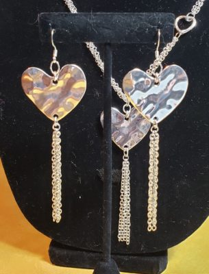 E112_hearts_hammered_silver
