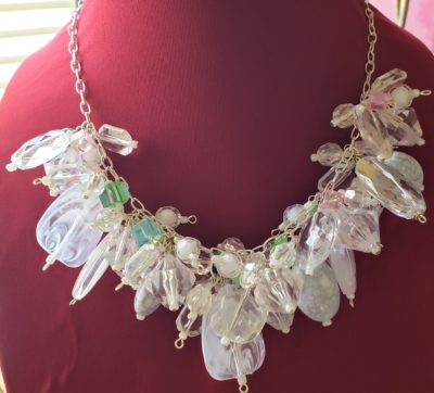 N128_necklace_clusters_white_clear_acrylic
